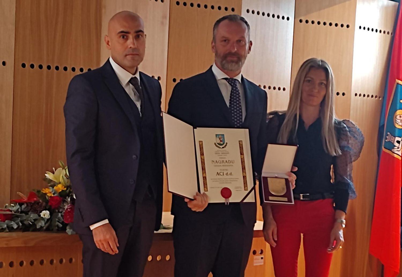Pavic-primio_nagradu-ACI_2
